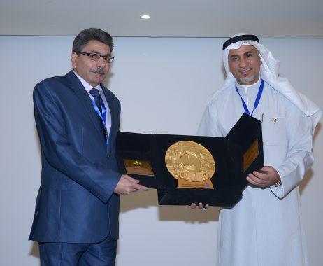 تكريم الدكتور إبراهيم فهمي في مؤتمر الكويت